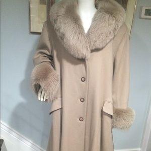 Jackets & Blazers - Vintage John Weitz 100% Wool Fox Fur Trim Coat